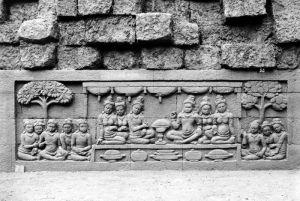 COLLECTIE_TROPENMUSEUM_Reliëf_O_128_op_de_verborgen_voet_van_de_Borobudur_TMnr_10015865