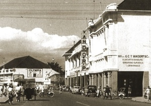 Bandung - Jalan Braga (Toko Van Dorp)