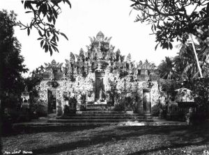 COLLECTIE_TROPENMUSEUM_De_tempel_Pura_Beji_bij_Sangsit_in_Noord-Bali_gewijd_aan_Dewi_Sri_godin_van_de_landbouw_TMnr_60018434