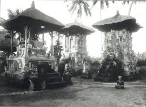 COLLECTIE_TROPENMUSEUM_Een_tempelcomplex_in_Zuid-Bali_TMnr_60022930