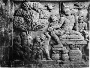 COLLECTIE_TROPENMUSEUM_Fragment_van_een_reliëf_op_een_tempelwand_van_Tjandi_Mendoet._TMnr_60002515