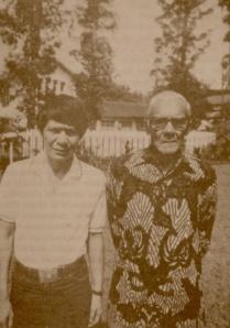 Raden Jusuf dan salah satu anaknya, Harry.