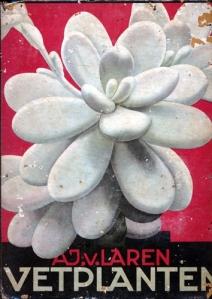 Salah satu buku album koleksi selain Indische Tuinbloemen. Buku semacam ini ada juga yang koleksi berbagai jenis tanaman lain sampai jenis-jenis fauna.