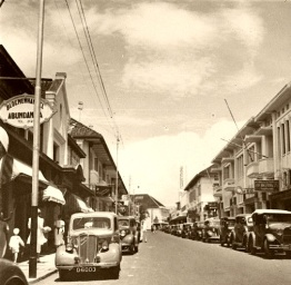 Winkelstraat-Bandoeng-1900-1940