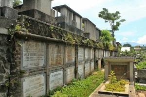 Makam Laci
