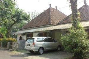 Salah satu karya Sukarno, empat rumah kembar di Jl. Kasim, Bandung.
